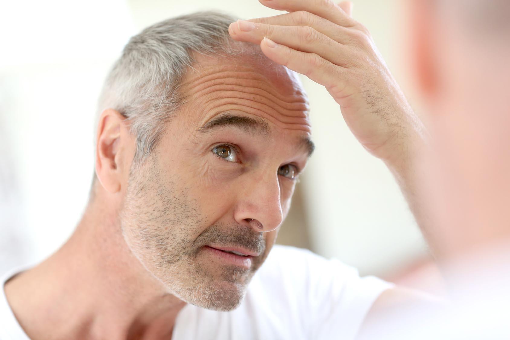 Mann mit lichtem Haar